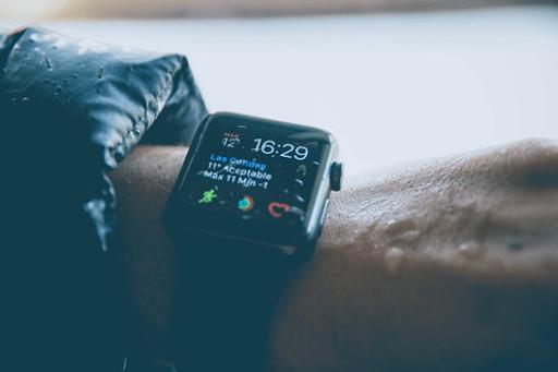 Смарт-часы с влагозащитой