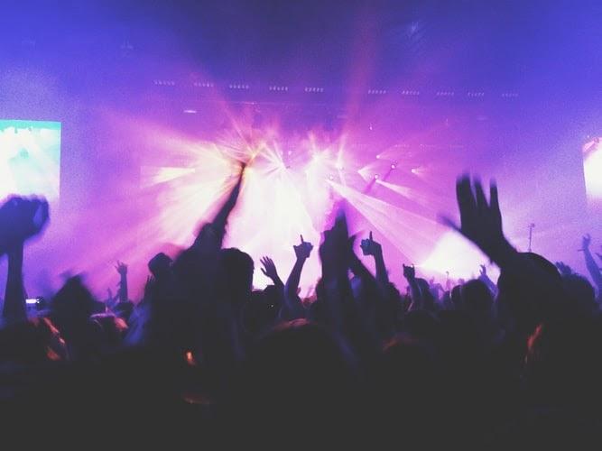 Билеты на концерт любимой группы