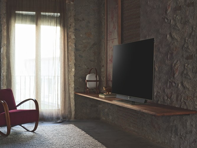 Ультратонкий OLED телевизор